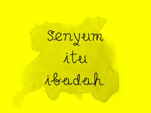 Senyum font by Gunarta