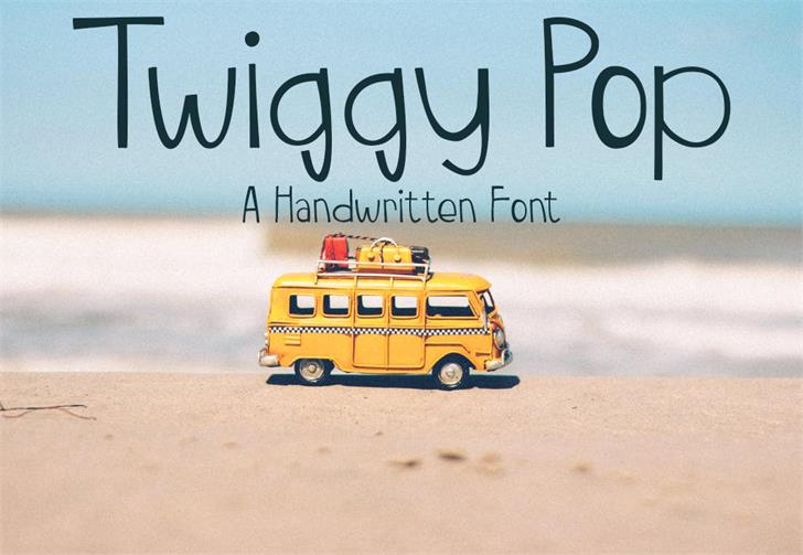 TwiggyPop Font outdoor yellow