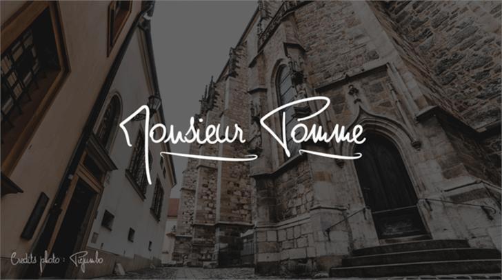 Monsieur Pomme Font building sign